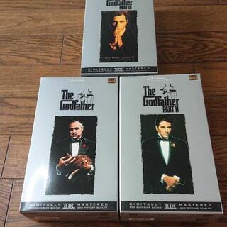 ゴッドファーザー Ⅰ、Ⅱ、Ⅲ VHSテープ 3巻セット お売りします。