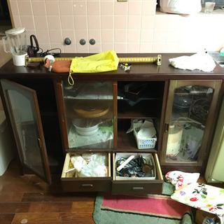 【無料】急募 食器棚と、台所まわりのもの 先着順! 木午前…