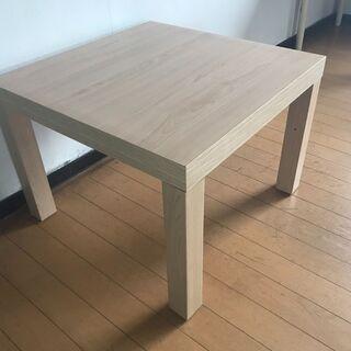お洒落な正方形のローテーブルの画像