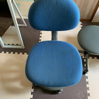 コロコロ付き椅子