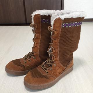 美品 ニューバランス ブーツ 22.5cm