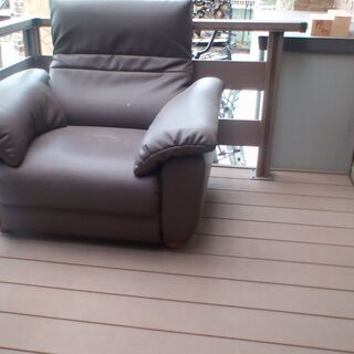 リクライニングソファです 中古ですが 新品並みです 高級な…