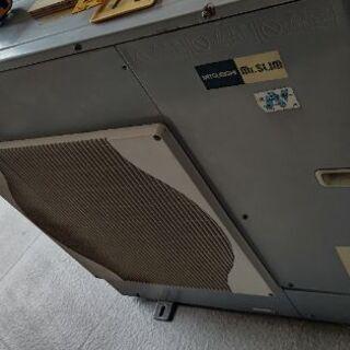 厨房用大型冷房機