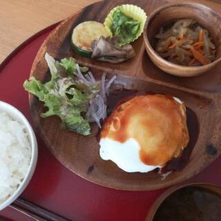 無農薬野菜やハンドメイド作品を販売している、身体に優しい食堂です☆ − 北海道