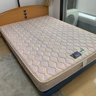 フランスベッドのダブルベッド