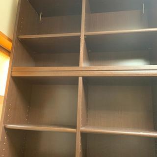 売り切りたいので値下げ! 天井までの本棚 可動棚12枚 - 生活雑貨