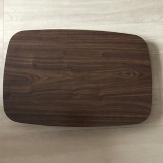 折りたたむテーブル