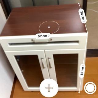 食器棚 − 愛知県