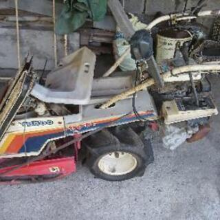 ヤンマー稲刈り機です