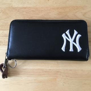 ヤンキース長財布