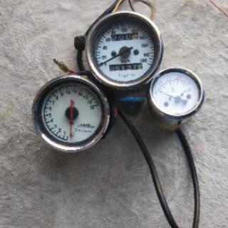 デイトナ スピード タコ メーター 不明電圧計