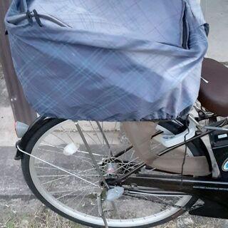 自転車の後部荷台のかご