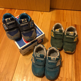 ニューバランス靴です