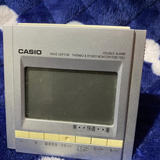 CASIOのアラームつき電波置時計