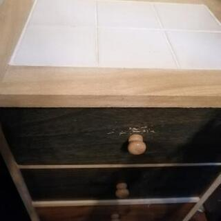 桐と白タイルのカラフル収納チェスト 5段