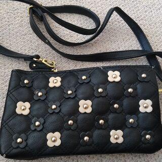 黒 花柄ハンドバッグ