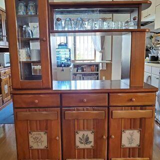 天然木使用 食器棚 おやこ鹿の家具