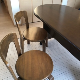 【お受け取りの方決まりました】キャスター付きテーブル、椅子セット2個