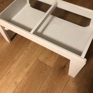 ホワイトガラステーブル
