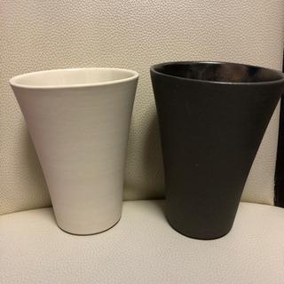 ペアカップ 白と黒