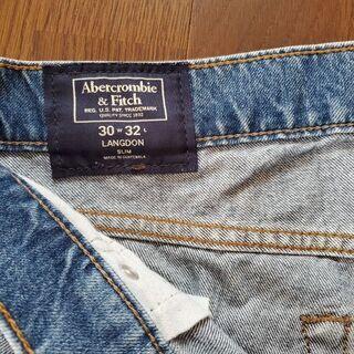ニューヨークからアバクロンビー&フィッチのジーンズ