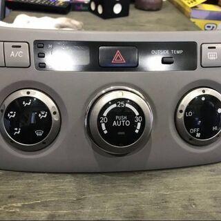 トヨタ ヴォクシー・ノア AZR60 空調スイッチ