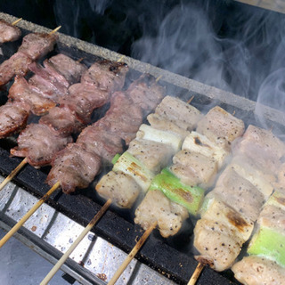 炭火焼鳥の調理、販売