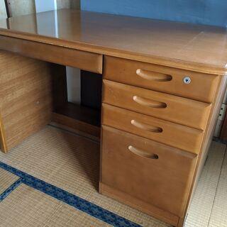 【木製の机】サイズ「68cm×109cm×73.5cm(高…