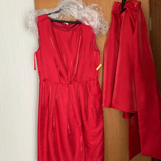 2回着用 赤のワンピースドレス 膝丈