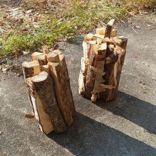 薪はいかがですか。ストーブ、キャンプ、焚き火に最適 同業者さん大...