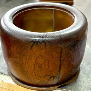 笹柄の木製火鉢