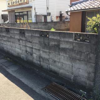 【ブロック塀破壊して駐車場造作】徳島市でやってくれる方の画像