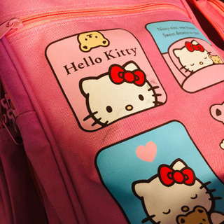 キティちゃんのスーツケースの残りの画像です。