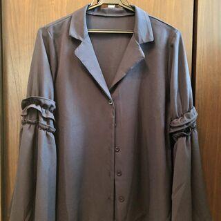 美品 袖が広がるブラウス ネイビー M 9号 シフォン 長袖