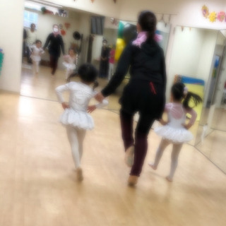 親子でチアとバレエ!両方、倣えます