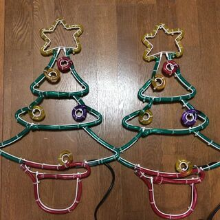 クリスマスツリー型の電飾です