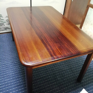 格安☆木製のダイニングテーブル