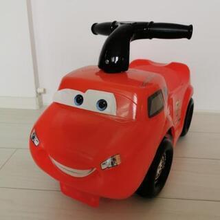 車のおもちゃ(乗用タイプ)
