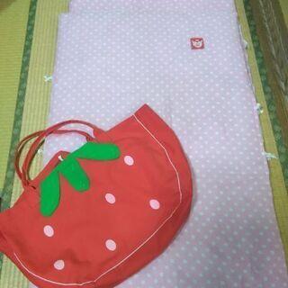 お昼寝用のお布団セットと布団袋です。値下げしました。