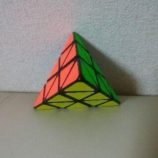 ピラミンクス 三角型立体パズル