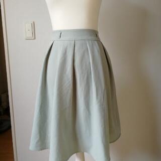 ミント色 スカート