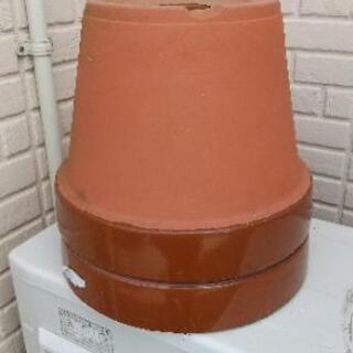 陶器の植木鉢