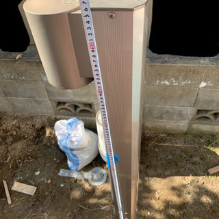 機能門柱 防雨照明付き ポスト、インターホン取付可能 − 福岡県