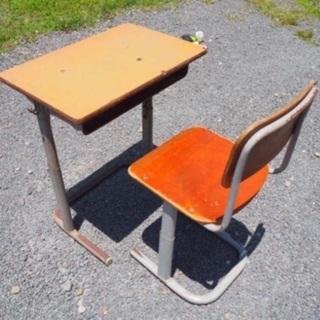 【決まりました】KOKUYO学校用机・椅子セット あげます