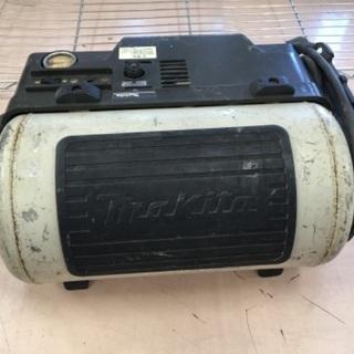 makita 常圧コンプレッサー AC7001 ジャンク