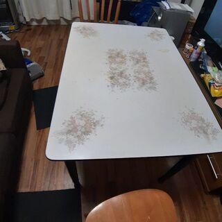 ダイニングテーブル 椅子2個付き