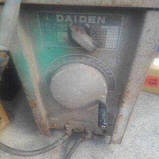 【終了しました】大昔の溶接機の画像