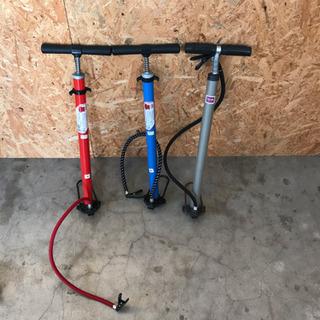 【商談中】自転車 空気入れ 右の銀色のみの画像