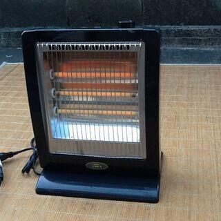 【温めて暖めて】コンパクトな電気ストーブ 昔品なのでスリー…