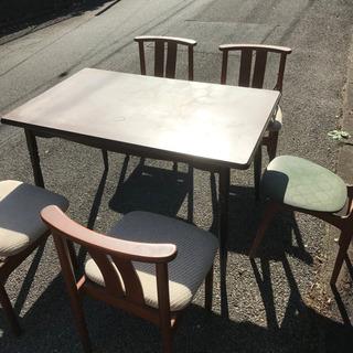 ダイニングテーブル+椅子5脚